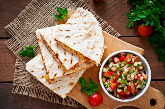 quesadilla with chicken, corn and salsa